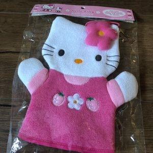 HELLO KITTY-NWT (but vintage 2000) Wash clothe